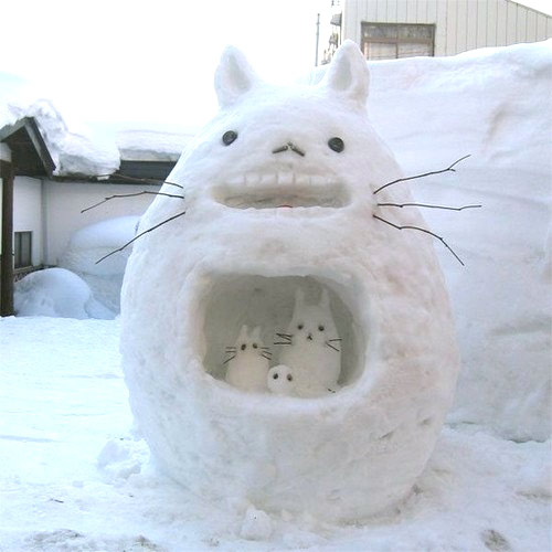 This Totoro can be my neighbor anyday.